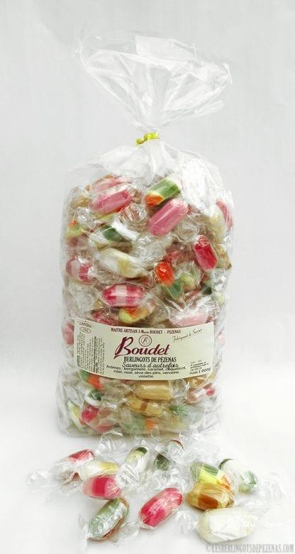 Sachet saveurs d'autrefois 1kg avec bonbons devant